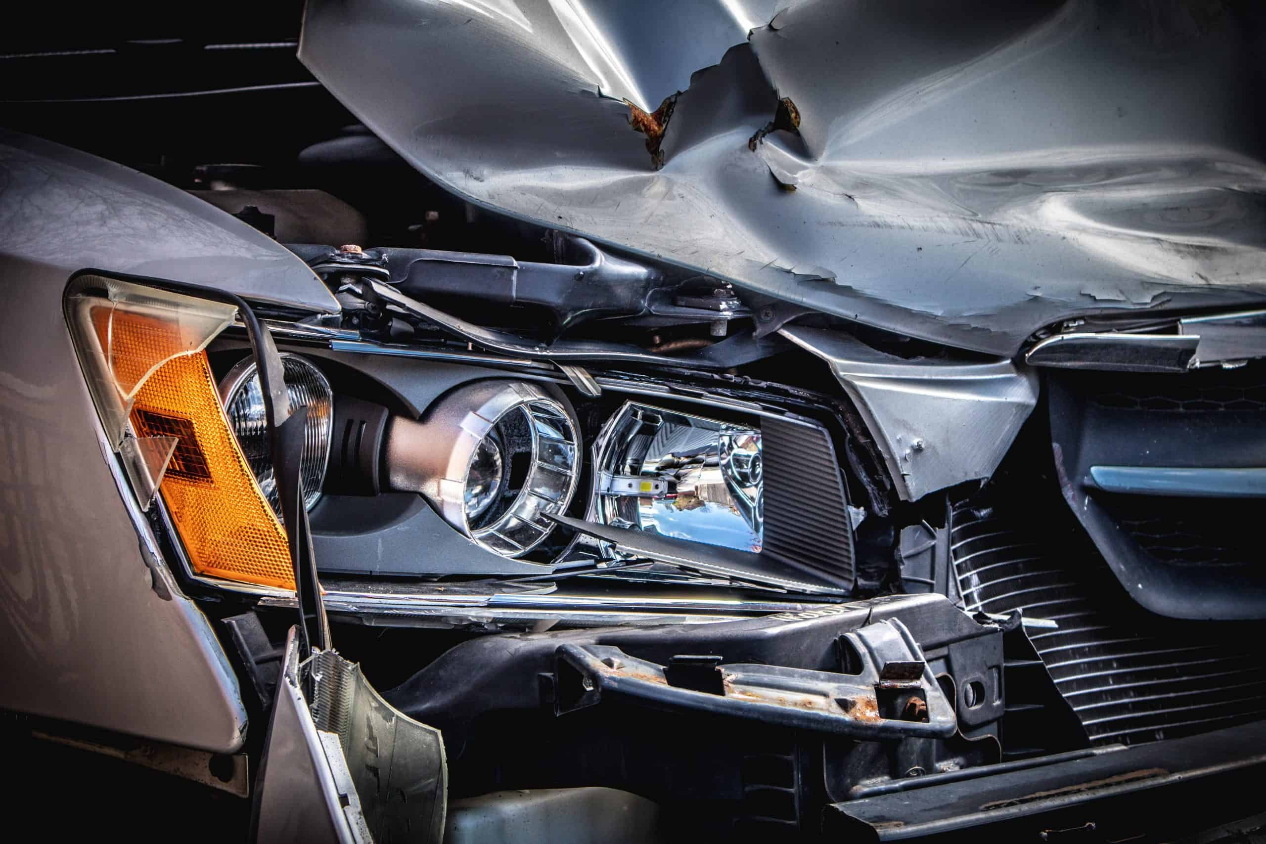 car-accident-crash-driving-pragma-law